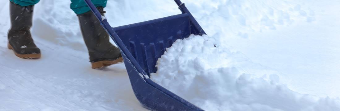 winterdienst zuverl ssig und schnell von gartenpflege. Black Bedroom Furniture Sets. Home Design Ideas